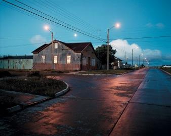 """""""Patagonie, histoires du bout du monde""""/Editions Solar 2004 mots clés : paysage/nuit/bleu/rouge"""