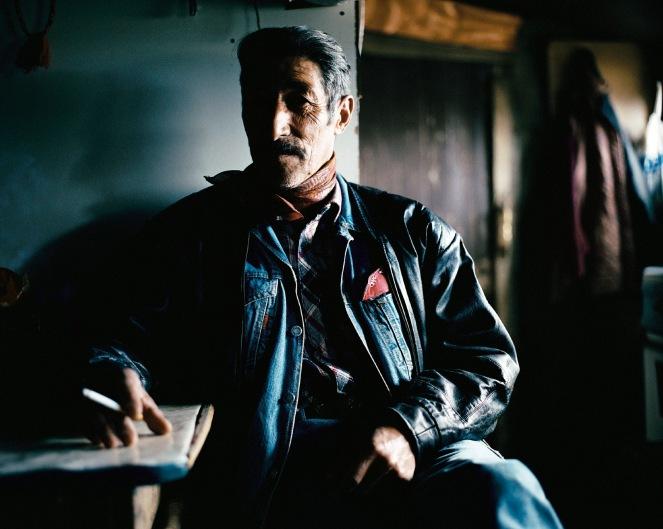 """""""Patagonie, histoires du bout du monde""""/Editions Solar 2004 mots clés : portrait/homme/bleu"""